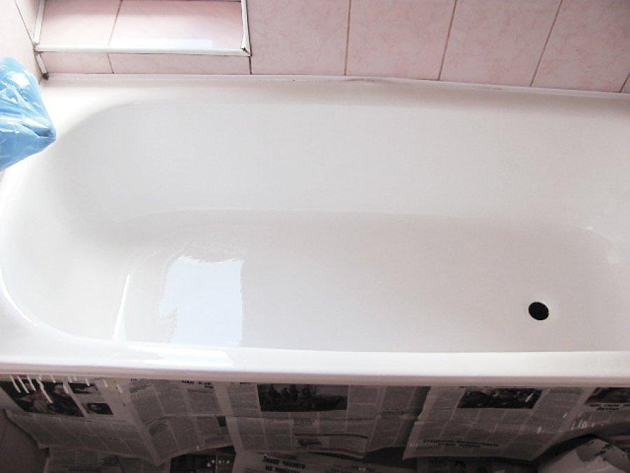 свежее акриловое покрытие ванны в процессе высыхания